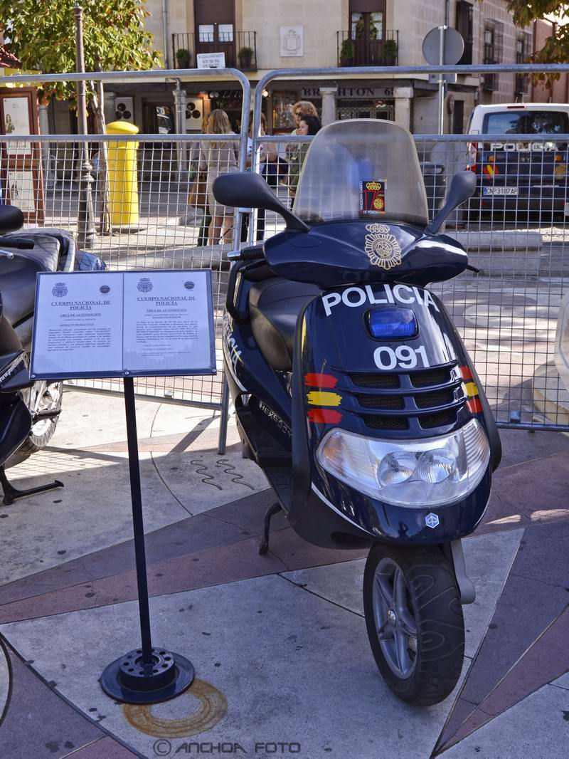 Piaggio 250 Scooter 2000 (Policía).